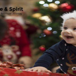 5 Ways to Celebrate Christmas as a Christian Family